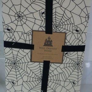 """Spider Webs Halloween Cotton Tablecloth 60"""" Round"""